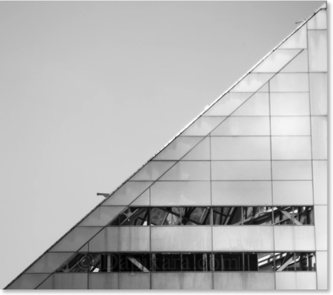 B/W Triangle Building Chicago. Black and White Chicago Architecture Photos.