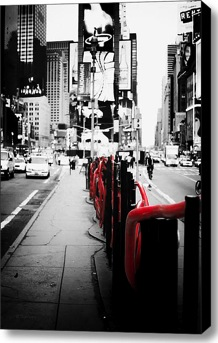 Black and White Photography New York. Black and white photography with color accents.